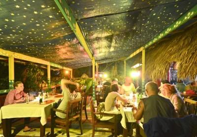 Alis-Restaurant-@-Cabarete-Surf-Camp-28-400x280